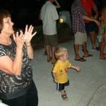 He's a dancin, dancin, dancin, he's a dancin machine...